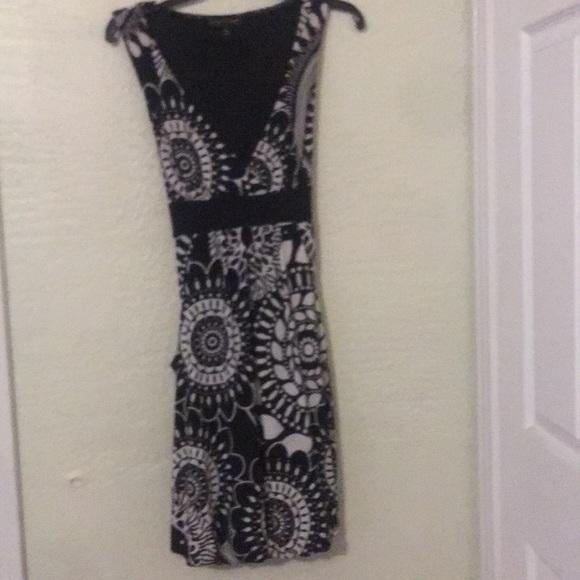 City Triangles Dresses & Skirts - Black & white print dress